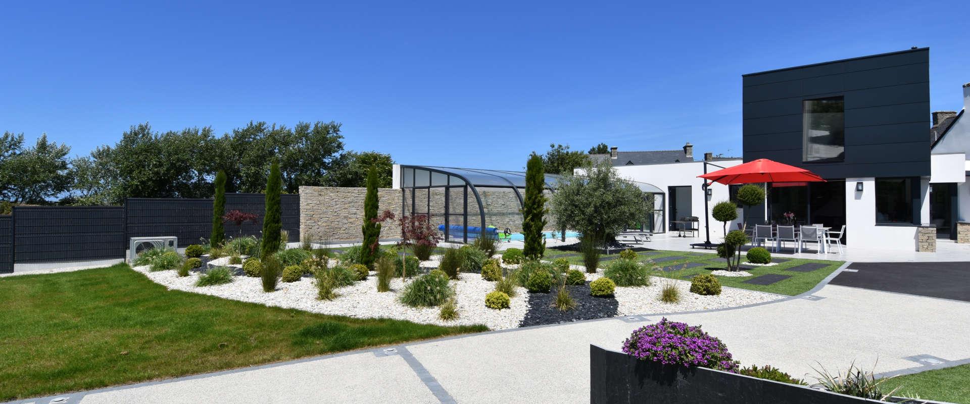 kersauzon-1depuis-le-fond-du-jardin.jpg