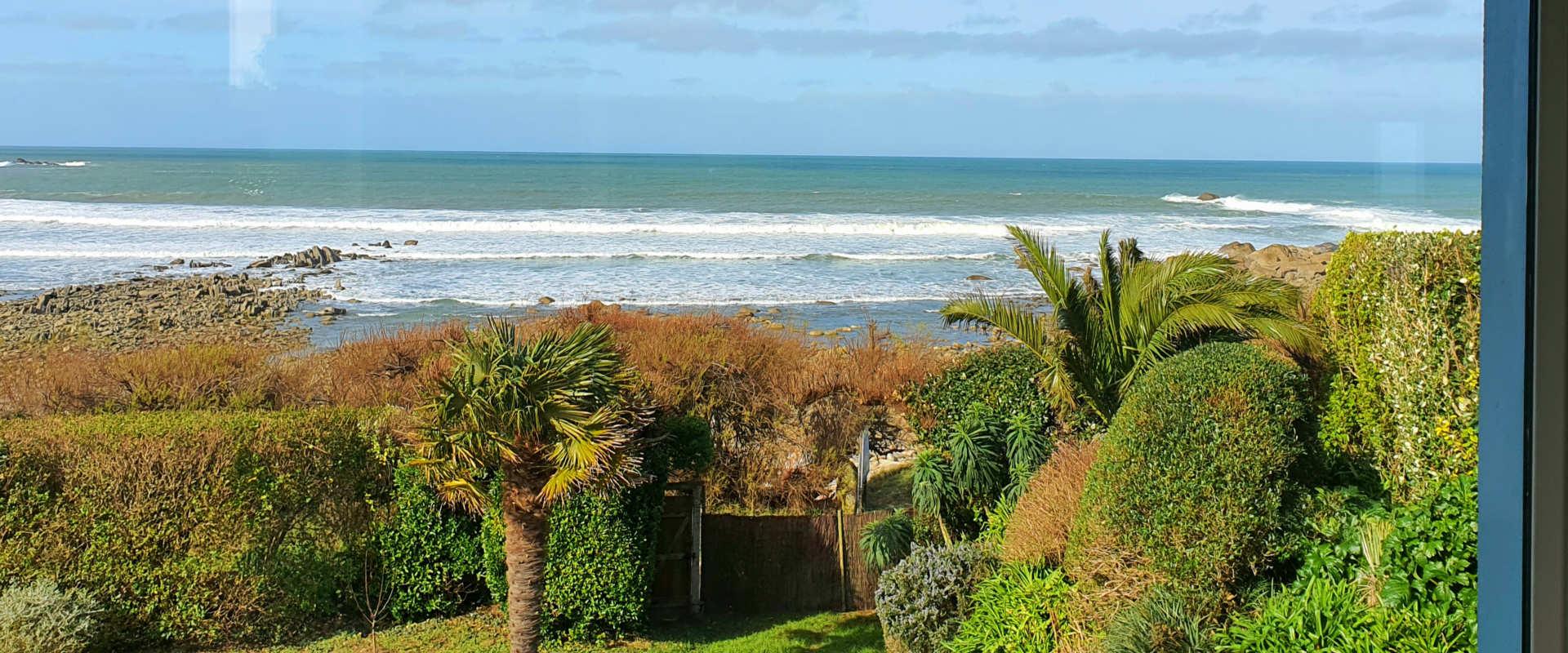 le-surfeur7-mer-vu-salon.jpg.jpg