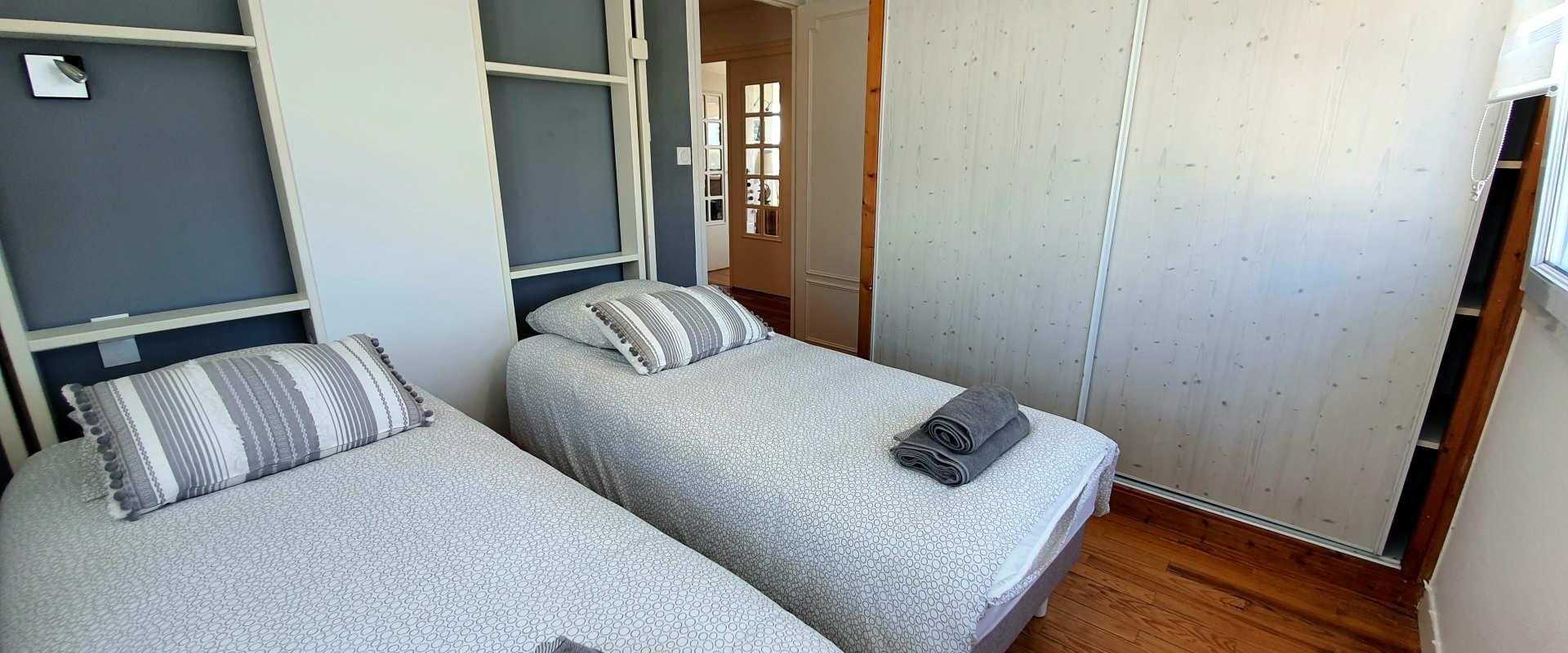 les-voiles-chambre2-etage.jpg