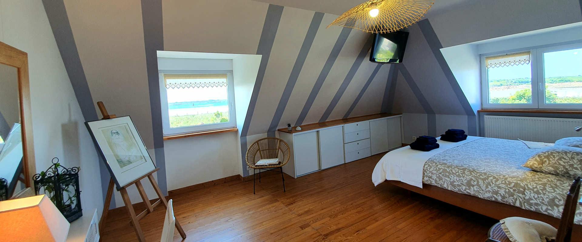 les-voiles-chambre3-etage2-vue-mer.jpg