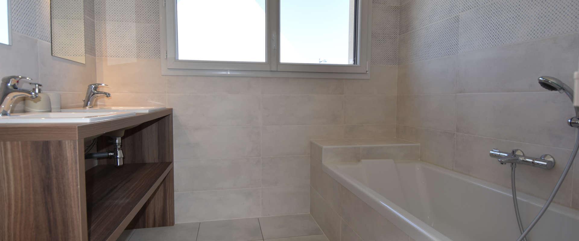 villa-des-marins-pecheurs-11-salle-de-bain-etage.jpg