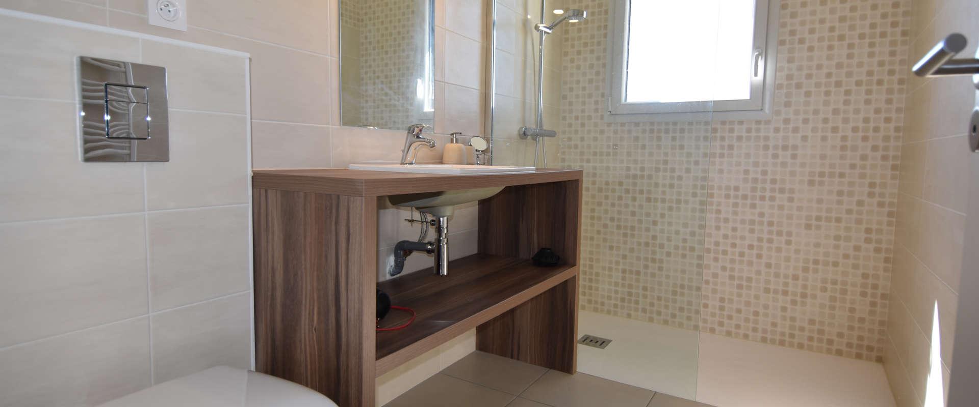 villa-des-marins-pecheurs-13-salle-d-eau-chambre4.jpg